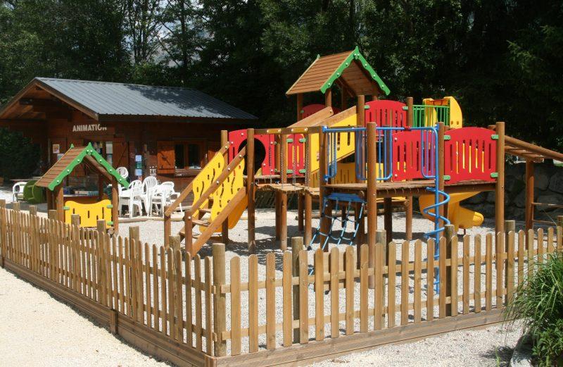 LE COLPORTEUR-Espace jeux pour les enfants-BOURG D OISANS