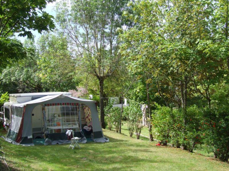 LE FAILLAL-Les emplacements du camping LE FAILLAL-MONTPEZAT DE QUERCY