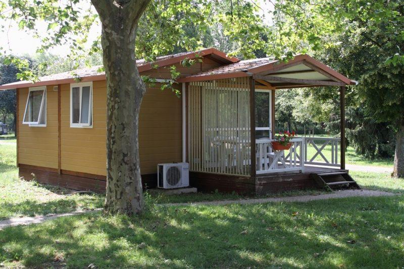 CAMP MUNICIPAL LA CASCADE-Les chalets du camping CAMP MUNICIPAL LA CASCADE-TONNERRE