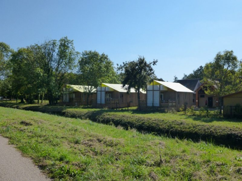 CAMP MUNICIPAL LA CASCADE-Le camping CAMP MUNICIPAL LA CASCADE, der Yonne-TONNERRE