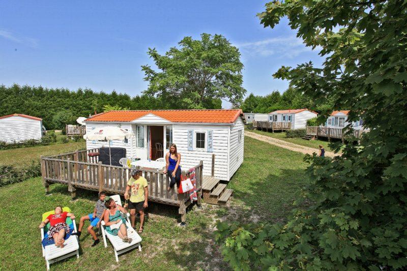 LE PETIT TRIANON-Les mobil-homes du camping LE PETIT TRIANON-INGRANDES