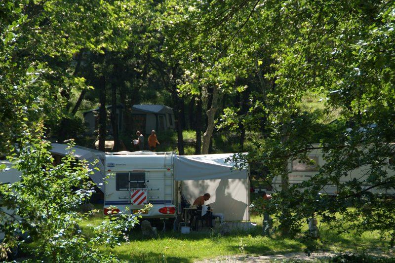 DOMAINE LA BERGERIE-Le camping DOMAINE LA BERGERIE, das Departement Alpes-Maritimes-VENCE