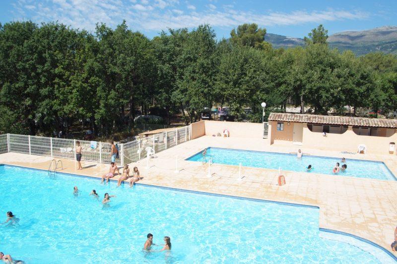 DOMAINE LA BERGERIE-La piscine du camping DOMAINE LA BERGERIE-VENCE