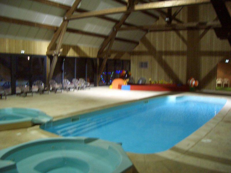L'OURSIERE-La piscine couverte du camping L'OURSIERE-VILLARD DE LANS