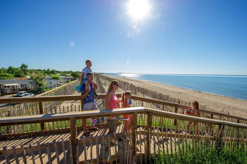 MEDITERRANEE PLAGE-Accès direct à la plage pour le camping MEDITERRANEE PLAGE-VIAS